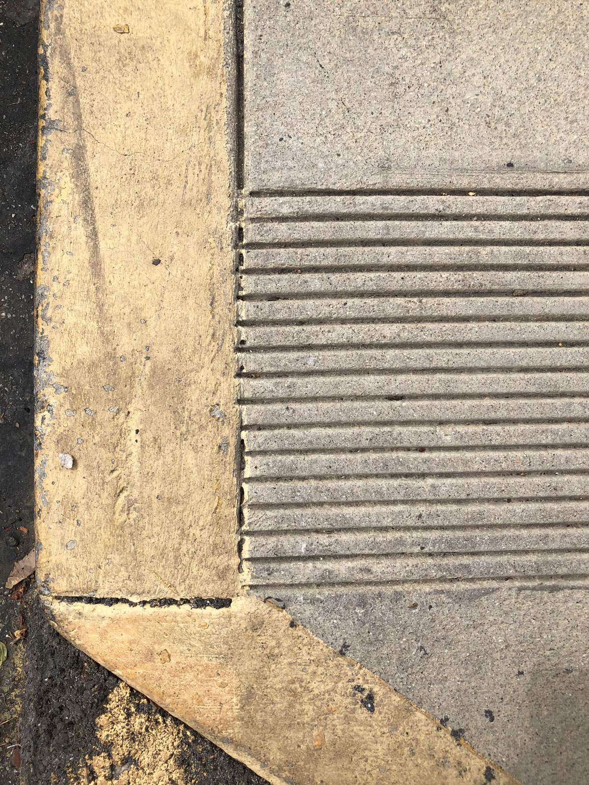 Yellow stripe on curb